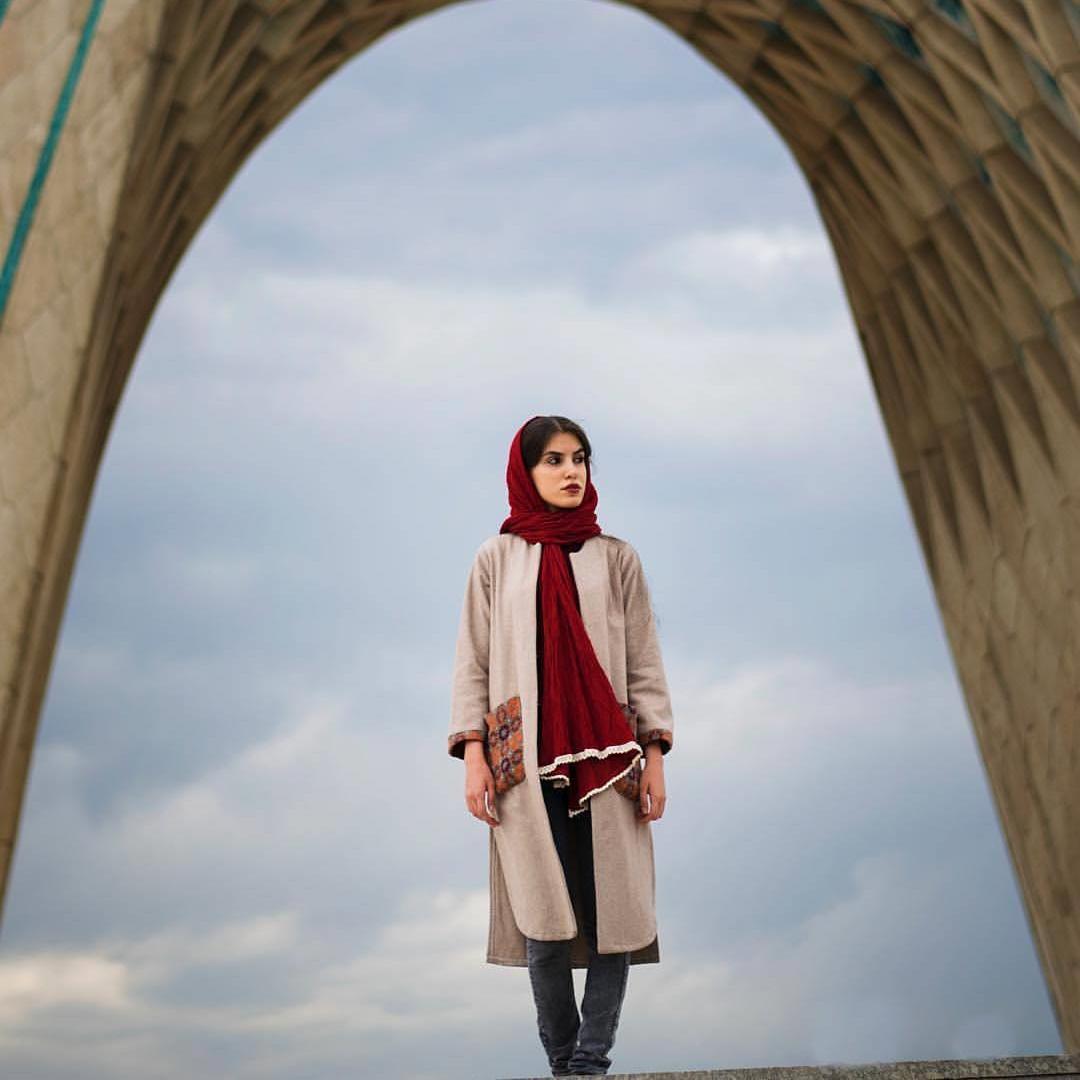 تصاویر نگارخانه متن نگار , تنهایی, دخترونه, تهران